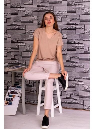 Stamina  Bayan V Yaka Kısa Kol Arkası Dikişli Bluz-5VS16 Bej